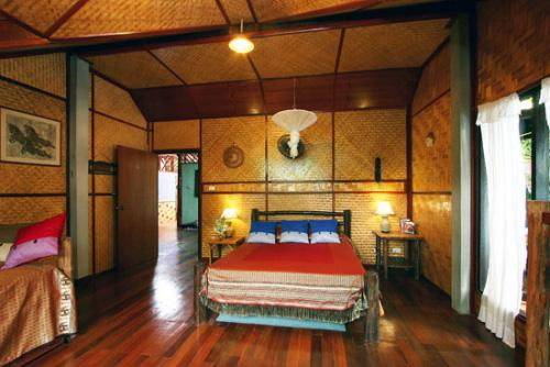 phuket-traditional-style-room.jpg