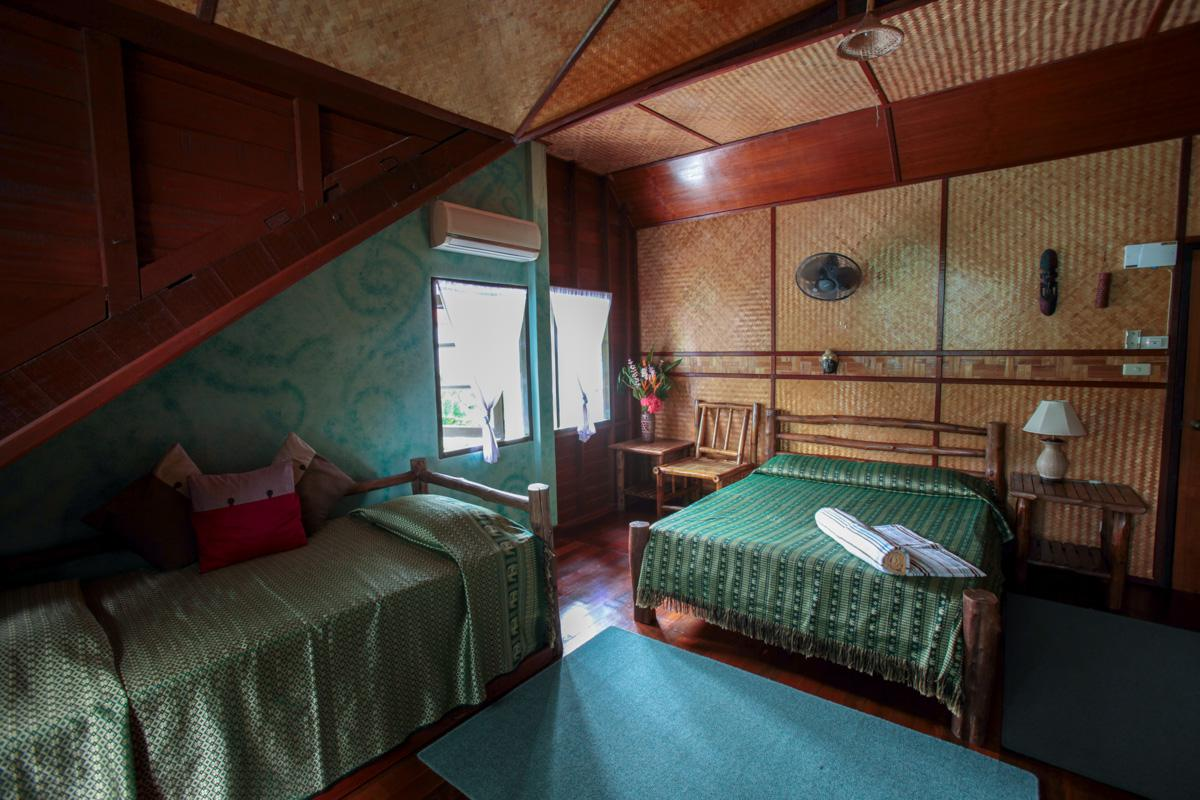 traditional-room-phuket-1001.jpg